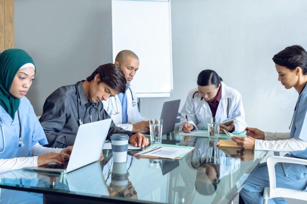 Equidad en las condiciones de trabajo para enfermeros